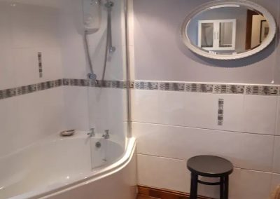 Holiday Cottage – bathroom